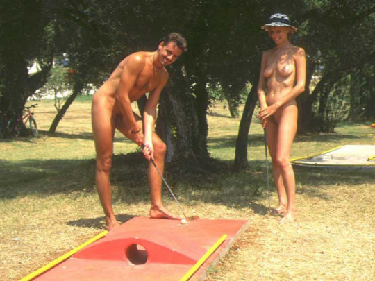 Naked bitches on golf course — img 2