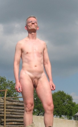 Paul nude outside
